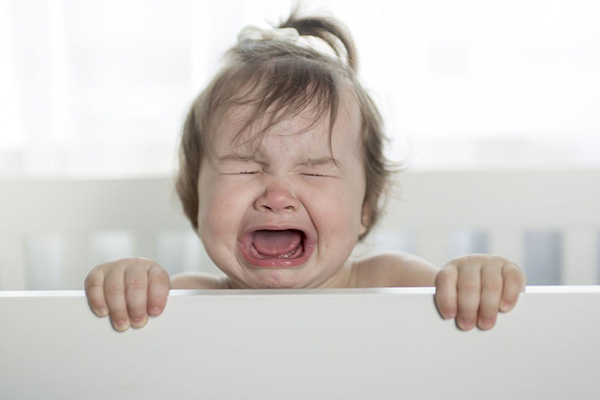 孩子爱哭敏感怎么教育 别打骂这样做孩子会感激你