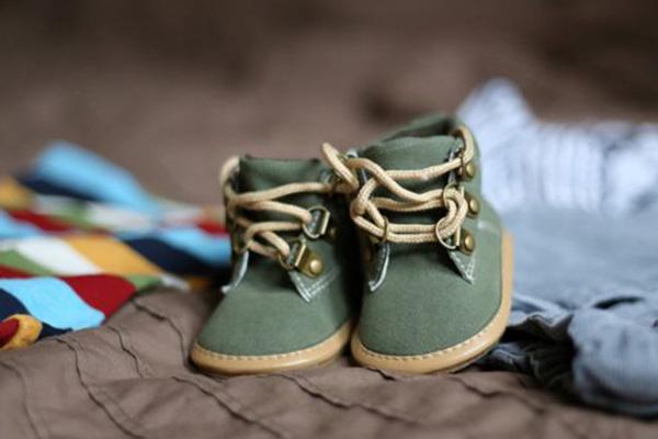 如何教����自己穿鞋穿鞋步�E是�P