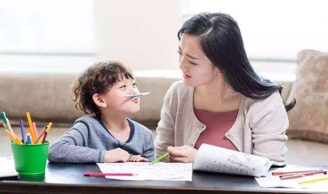如何鼓励孩子大胆自信 试试让孩子自信的28个方法